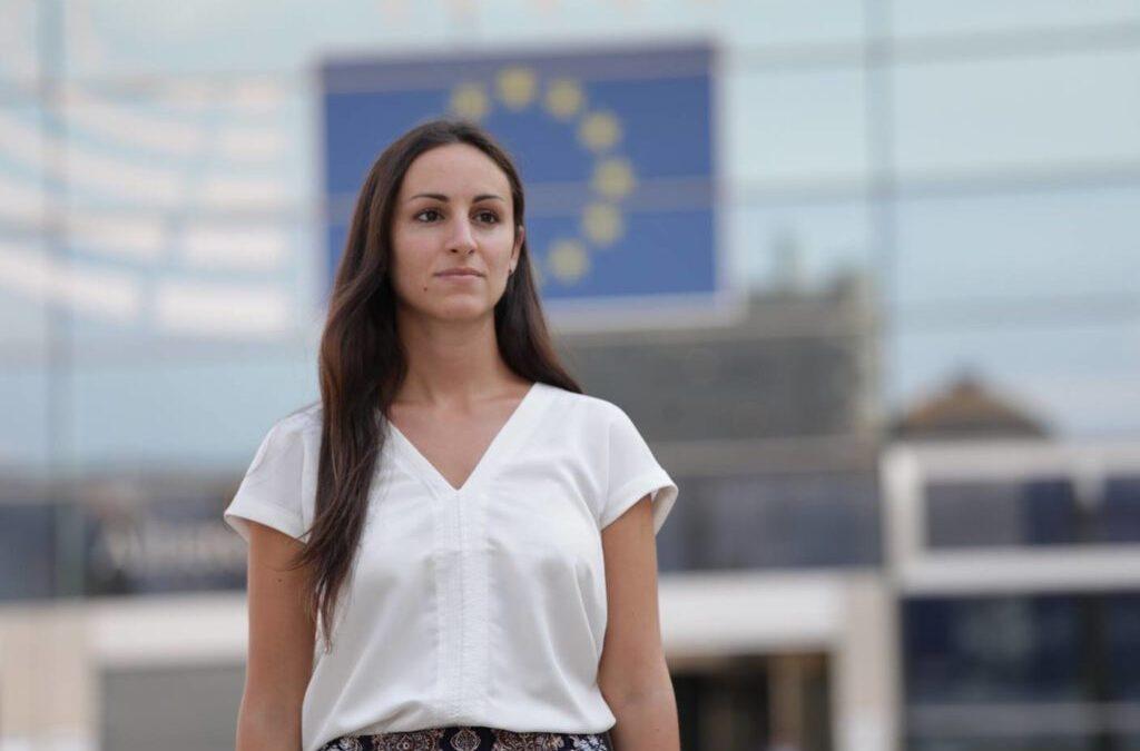 Eleonora Evi, giovane Europarlamentare dei Verdi europei, puntiamo sulle rinnovabili per la ripresa? Allora inammissibile un ritorno delle trivelle